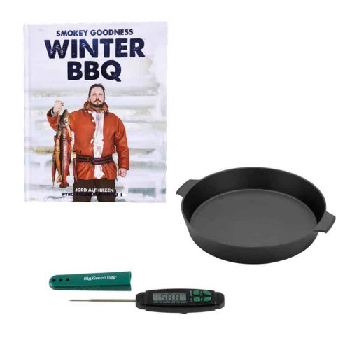 Cadeaupakket voor de Big Green Egg, bestaande uit Smokey Goodness, Winter BBQ en Skillet Small en BGE Quick Read Thermometer.